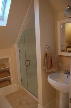 Attic bathroom... My dream room!