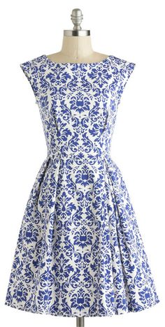 Blue And White Porcelain Inspired Skater Dress# gorgeous blue and white porcelain pattern# O neck# Sleeveless# Pleated waist# Back zipper closure. White Outfits, Classy Outfits, Vintage Dresses, Nice Dresses, Amazing Dresses, Beautiful Dresses, Floral Print Skirt, Patterned Dress, Dress Lilly
