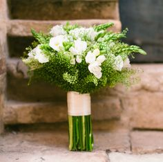 So neat - Retro & lime green wedding in Italy Green Wedding Flower Arrangements, Flower Centerpieces, Flower Bouquet Wedding, Lime Green Weddings, Mint Weddings, Garden Wedding Inspiration, Wedding Ideas, Rustic Garden Wedding, Italy Wedding