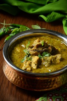 Andhra Green Chili Chicken Curry — Spiceindiaonline Andhra Green Chili Chicken Curry — Spiceindiaonline Related posts:witch tattoo designs for women 25 - - Tattoo frauenZinvolle kleine tatoeages voor vrouwen -. Chicken Masala, Chicken Gravy, Chicken Chili, Chicken Karahi, Oven Chicken, Braised Chicken, Canned Chicken, Green Chicken Recipe, Green Curry Chicken