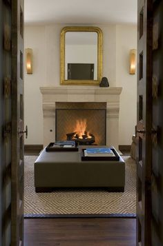 rumford-fireplace-for-a-traditional-living-room-with-a-sconces-and-greenlee-fireplace-by-hugh-jefferson-randolph-architects.jpg (654×990)