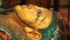Египетска маска крие евангелски ръкопис http://sanovnik.bg/n3-55545 #Мумии #ръкописи #евангелие #Мистерии