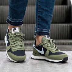 Nike Internationalist 👉Don't forget to follow us!!!👈 👟👟👍👍@sneakersmugglers 👍👍👟👟