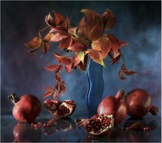 #still #life #photography • photo: гранатово-синий натюрморт | photographer: sergeeva warwara | WWW.PHOTODOM.COM