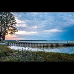 #carlapetrillophotography #eastcoast #757collective #chesapeakebay #chesapeake #clouds #saltlife #sunset #usa #nikkor #nikkor28300 #nikonusa #nikond300s #nikon_dslr_users #nikon_photography_ #nikon_photography #nikon #nikontop #nikonphotographer #potd #travel #explore #spring2016 #foto #merica #bay #boatramp #scenicsunset #scenicview #seascape by carla_petrillo_photography