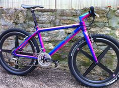 Klein Adroit running on XTR and Spinergy wheels. In 1992 this was a £4000 frame kit! Frame, Forks, Bar/Stem combo (Mission Control) Looks amazing in this colour as well.
