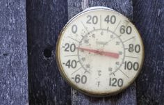 Olas al borde de la congelación (FOTOS) Cuando Nimerfroh realizó las fotos, el norte y el este de los Estados Unidos sufría una ola de frío sin precedentes durante la que se superaron varios récords de temperatura bajo cero.