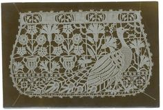 Visit this site for MANY examples of Italian lace. Crochet Cross, Irish Crochet, Crochet Lace, Crochet Stitches, Needle Lace, Bobbin Lace, Needle And Thread, Personalized Pencils, Lacemaking