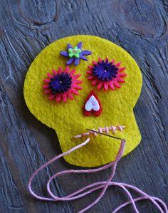 Artelexia: Day of the Dead DIY #21: Embroidered Felt Sugar Skull
