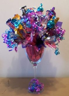 More Candy Bouquets - Candy Gifts and Crafts, Candy Bouquets, Centerpieces, Handmade Crafts, Hand Painted Glassware/Bucket - ecomPlanet Web Hosting - the Free hosting solution worldwide Candy Arrangements, Candy Centerpieces, Homemade Gifts, Diy Gifts, Food Gifts, Candy Boquets, Edible Bouquets, Gift Bouquet, Candy Crafts