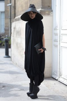 Visions of the Future: Area Barbara Bologna |Dress: Cunnington & Sanderson |Shoes: Cinzia Araia (Photo byMelodie Jengfor TIS)