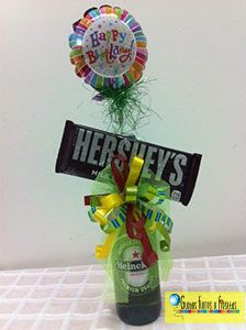 Globos, Flores y Fiestas Balloon Box, Balloon Bouquet, Beer Gifts, Diy Gifts, Father's Day Diy, Candy Bouquet, Candy Party, How To Make Diy, Craft Party