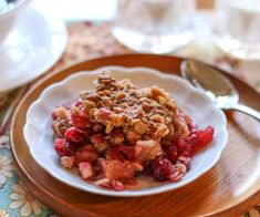 Apple Oatmeal, Apple Crisp, Cranberry Apple Recipes, Oatmeal Toppings, Delicious Desserts, Dessert Recipes, Kinds Of Desserts, Christmas Party Food, Fresh Cranberries