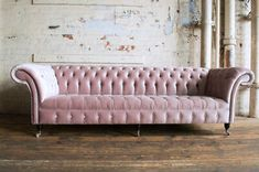 Introducing our 4 Seater Dusty Pink Velvet Chesterfield Sofa. This large 4 seater Chesterfield Sofa consists of a fully deep button and tufted roll back, completed using traditional deep buttoning techniques on a serpentine sprung back. Seater Sofa, Furniture, Sofa Couch, Sofa Design, Best Desk, Sofa, Pink Velvet Couch, Chesterfield Sofa Design, Big Sofas