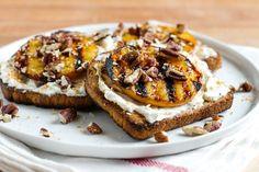 Sweet Grilled Peaches n' Cream CheeseToast