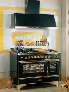 Superb Retro Kitchen Design, Vintage Stoves For Modern Kitchens In Retro Styles