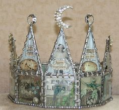I need a soldering iron-crown by Jeanne Stregles Regal Display, Art Projects, Projects To Try, Soldering Jewelry, Soldering Iron, Paper Crowns, Fru Fru, Assemblage Art, Wire Art