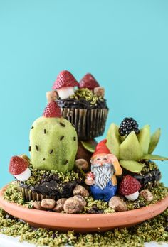 Guys, these edible terrariums are so amazing!!  via @forkandbeans