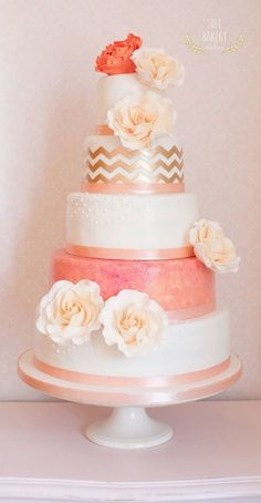 coral chevron wedding cake / http://www.deerpearlflowers.com/whimsical-wedding-cakes-from-silly-bakery/