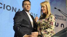 MASSA - STOLBIZER LA FORMULA ANTIPERONISTA   Massa-Stolbizer la fórmula antiperonista Por Alfredo Silletta. El día que el peronismo logró el 49% de los votos en el balotaje Sergio Massa supo que sería muy difícil que los dirigentes se vinieran en bandadas al Frente Renovador. Con la reaparición de Cristina Kirchner recorriendo el conurbano y demostrando que si jugara rondaría hoy los 38 puntos de intención de votos lo obliga al tigrense a alejarse del peronismo. Durante estos meses Massa…
