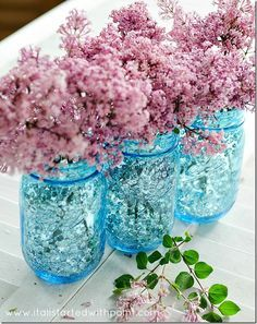 Vintage look blue mason jar vase with sequins. Easy to make mason jar vase. Great centerpiece for wedding or event or shower or party. Includes DIY how to. Tinted Mason Jars, Mason Jar Vases, Blue Mason Jars, Mason Jar Flowers, Jar Candles, Glass Jars, Mason Jar Projects, Mason Jar Crafts, Wedding Centerpieces
