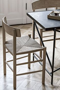 The J39 Chair by Børge Mogensen is a true classic crafted from solid wood, featuring a hand-woven seat in natural paper cord. Photograph by my_full_house #fredericiafurniture #j39 #craftedtolast #modenoriginal #interiordesign #diningchairs #dininginspiration Wishbone Chair, A Table, Solid Wood, Dining Chairs, Full House, Interior Design, Stools, Cord, Photograph
