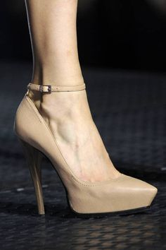 nude pump - Lanvin Spring 2013 Ready-to-Wear Detail