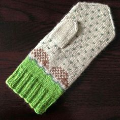 Hedgehog mittens by Spilly Jane