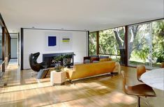 Moore House by Ellwood