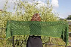 Evergreen pattern by EclatDuSoleil Picnic Blanket, Outdoor Blanket, Lace Border, Garter Stitch, Lace Design, Knit Patterns, Evergreen, Light Colors, Ravelry