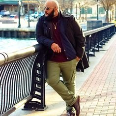 Let's figure out the outfit of our Plus Size Man of the day. Découvrons le look. Chubby Men Fashion, Mens Plus Size Fashion, Tall Men Fashion, Look Fashion, Mens Fashion, Fashion Clothes, Fashion Ideas, Plus Size Men, Moda Plus Size