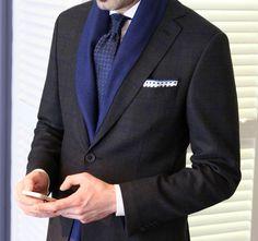 Sezonun trendi olan takım elbise ve ceketlerde desen kullanımları şık mendil ve kravat kombinleriyle erkeğe farklı bir hava katıyor..!  #Kip #Kiperkegi #menfashion #moda #erkekmodasi #erkekgiyim #trend #2015 #igers #instagramhub #igersturkey #igersistanbul#clothes #men #man #styles #best #cool #instafashion#moda #fashionable #menstyle #Мужскаямода#Мужскойстиль #Мода