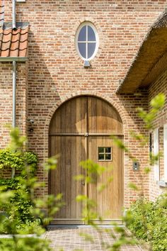 design - Exclusive living inspiration in the United Kingdom Concept Architecture, Facade Architecture, Belgian Style, Exterior Front Doors, Beautiful Curtains, Layout, Types Of Houses, Cozy House, Exterior Design
