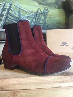 Kickers Women's Gallagher Slip-On Ankle Boots Red Wine Size EU Distressed Leather Slip On Shoes, Grey Leather, Leather Ankle Boots, Short Ankle Boots, Short Heels, Kickers Shoes, Blue Accents, Red Wine, Chelsea Boots