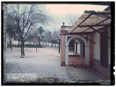 ¿Quieres pasear conmigo y conocer los rincones más bonitos de mi ciudad? http://blog.karoa.es/2014/01/a-relaxing-cup-of-coffee.html