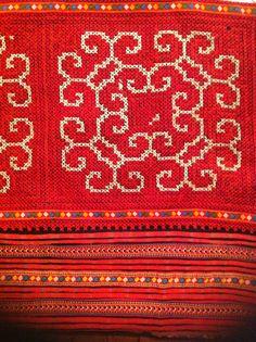 thai fabric Thai Dress, Chiang Mai, Thai Recipes, Southeast Asia, Surface Design, Oriental, Textiles, Mood, Blanket