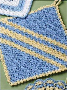 Diagonal Shells heirloom design pot holder is stitched in blue & yellow size 10 crochet cotton using size 5 steel hook.  Me, I'm gonna use it for a granny!