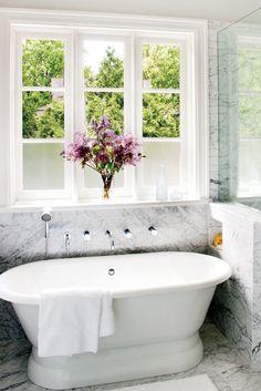 Freestanding tub, marble