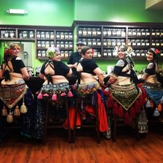 Elinor Crosby (2nd from R) & her troupe UberWench Tribal Belly Dance (Canada). www.uberwench.ca (plus size belly dance ♥)