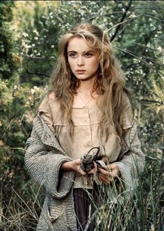 Crush Cul de Sac Emmanuelle Beart Josephine's face- she's just taller, with darker hair and blue eyes