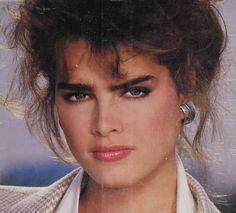 Macy's Catalog Brooke Shields Joven, Brooke Shields Young, Beautiful Celebrities, Beautiful Actresses, Beautiful Women, Beauty Ad, Beauty Ideas, Vogue, Ethereal Beauty