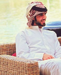 "Deported from Saudi for Being ""Too Handsome""? Omar Borkan Al Gala Arab Men Fashion, Islamic Fashion, Mens Fashion, Fashion Outfits, Galas Photo, Arab Swag, Handsome Arab Men, Dubai, Cute Muslim Couples"