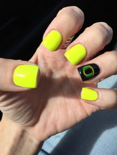 Oregon Duck nails