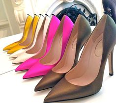 Perfect for a bit of color at the office!   Special-edition 'Fawn' Pump's for the Met Gala from the  SJP Collection