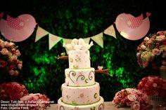 Gostei da composição: mesa verde e mesa florida, com a decoração nas cores rosa/ verdinho (Decor infantil: Aniversário Tema Passarinho!)