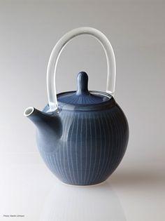Ceramics by Julie Ayton at Studiopottery.co.uk - 2014. TeapotPhoto: Martin Urmson
