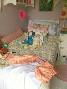 Little girls bedroom #vintage#child#girl#toys#home#interiors#lavenderhousevintage