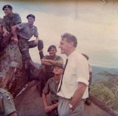 Ian Smith talking to RLI troopies in the mid war period. Ian Smith, Douglas Smith, All Nature, Korean War, My Land, East Africa, African History, Vietnam War, Continents