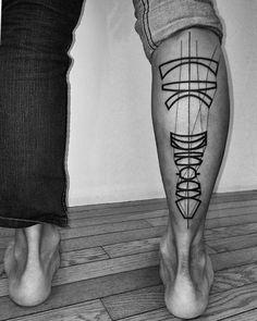 Je n'en démords pas, le studio 2Spirit Tattoo à San Francisco, abrite des génies du tatouage noir et blanc ! Focus aujourd'hui sur Ben Volt. Ben émerge tou