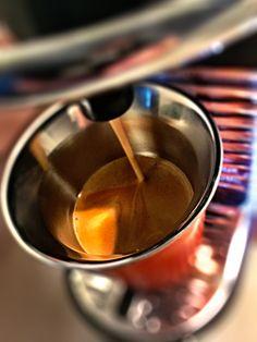 Guten Morgen…mit der #LimitedEditionBarista und der Stärke des #Corto #Kaffee von @Nespresso in die neue Woche #whatelse #ShotoniPhone #iPhoneSE #camera+ #tadaa
